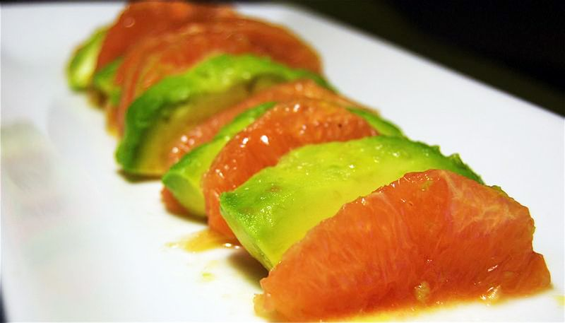 Grapefruit and avocado salad2